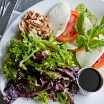 Classic Tomato & Fresh Mozzarella Salad
